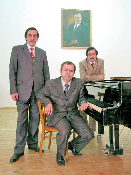 На фото: Заур Джанаев, Рамазан Фаталиев и Валерий Шаулов